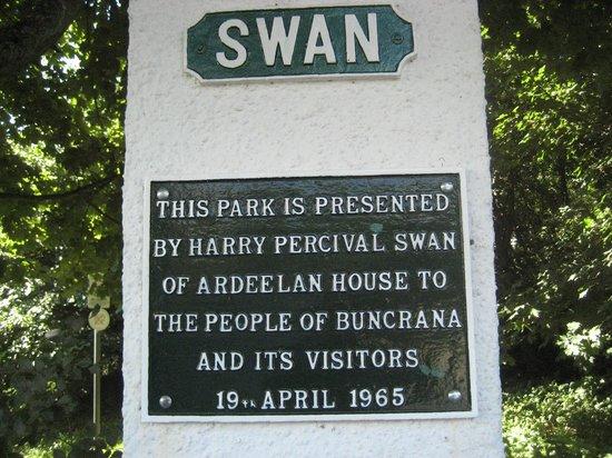 Swan Park: Park Plaque