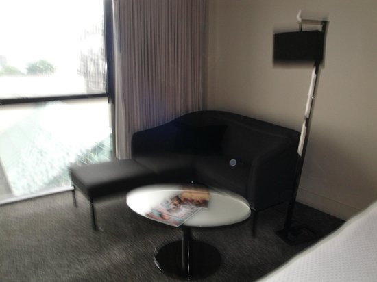 W Atlanta Midtown: Sitting Area in the Room
