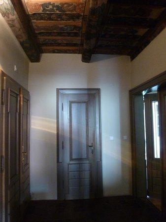 Lokal Inn: corridor