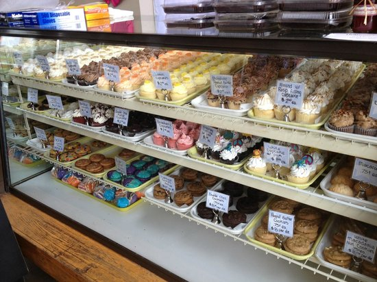 Texas Star Bakery: Cupcake Assortment - Fake Buttercream