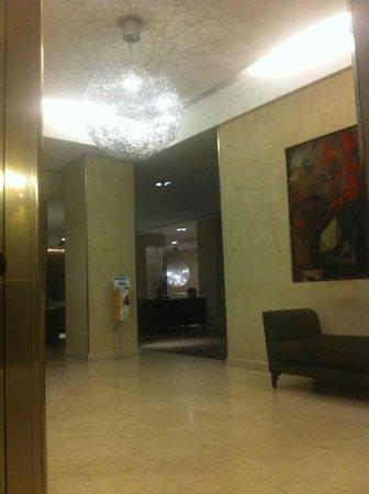 Hotel Regina Margherita - Cagliari : entrée de l'hôtel