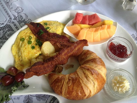 Inn on the Creek: gorgeous delicious breakfast!