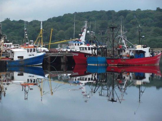 West Loch Hotel: Boats at West Loch Pier