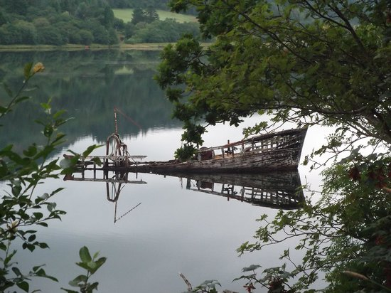 West Loch Hotel: Reflections at West Loch Pier