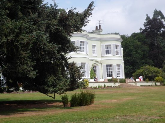 Deer Park Country House Hotel: Lovely view of the hotel