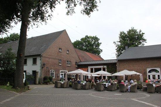 Schmücker Hof: Terrace