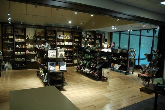 Wade House Gift Store in new Visitor Center, open Mon-Sat 10 am - 5 pm, Sun 11 am - 5 pm