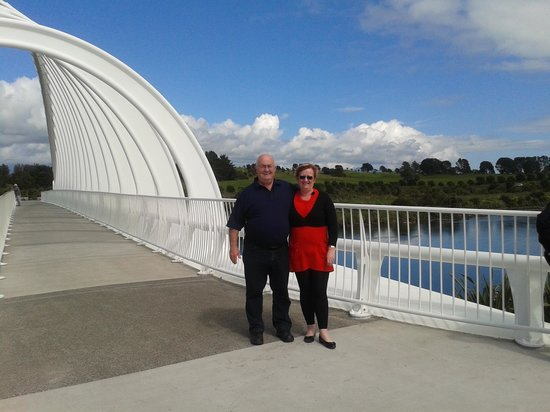 Coastal Walkway: Te Rewa Rewa bridge Taranaki