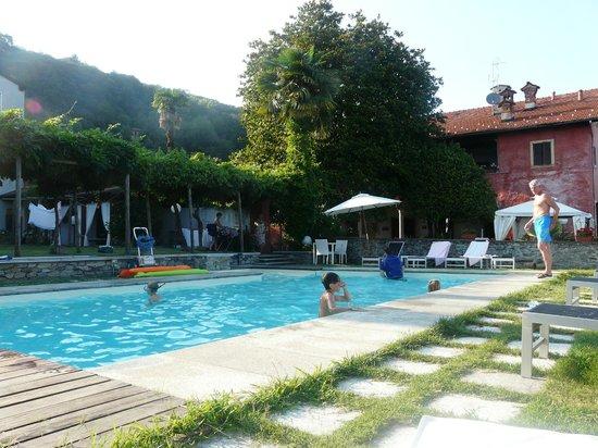Casa Mariuccia: piscina