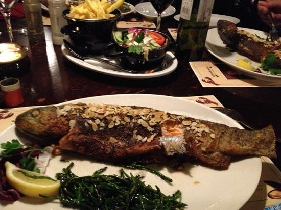 Kaat Mossel: Fresh salmon. Super delicious