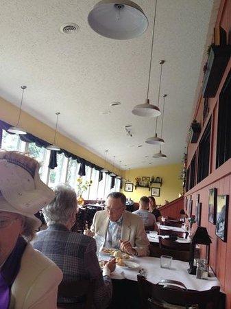 Di Trapani's Italian Bistro: the main dinning area