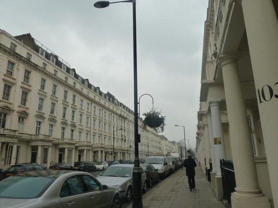 Astor Victoria Hostel : neighborhood