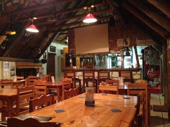 Lighthouse Tavern: Interior