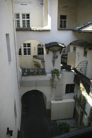 Parkhotel Luna Mondschein: Innenhof (öffentlich)
