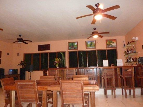 Mariposa Jungle Lodge: the dining room