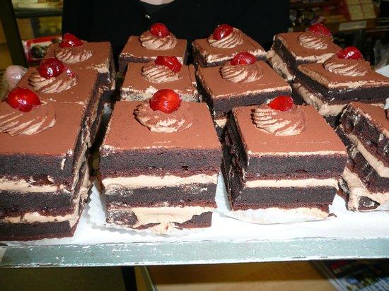 Jacks Bakery: Forrester black piece