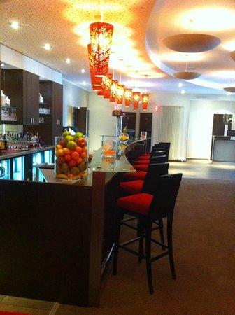 Best Western Hotel L'Oree: bar de l'hotel