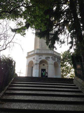 Brunate, Italia: trappan till tornet
