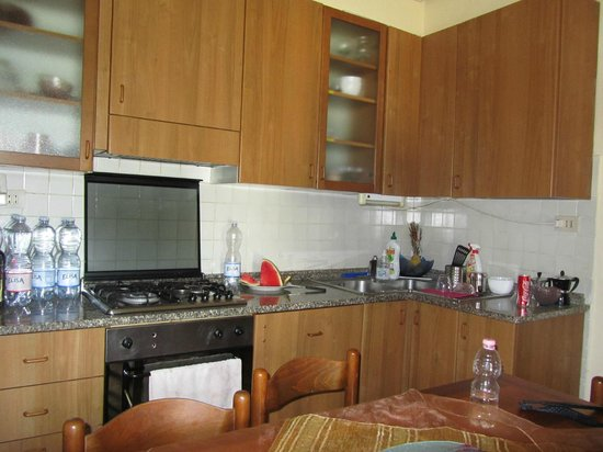Holiday House Ospedale Bed and Breakfast: Kitchen