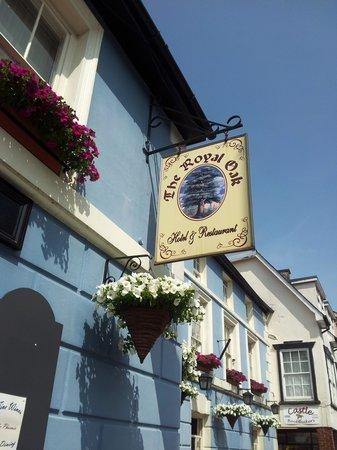 The Royal Oak Hotel : Royal Oak sign.