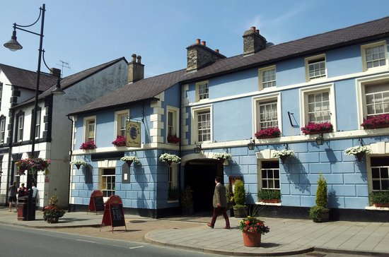 The Royal Oak Hotel : Pretty Front to the building.