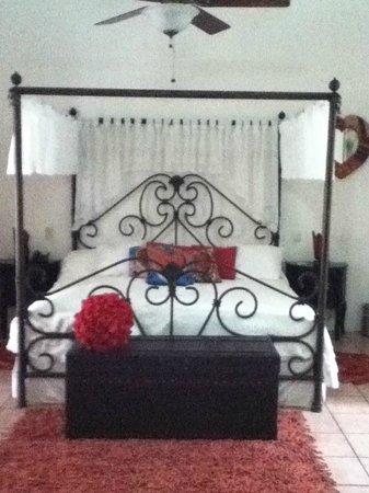 La Casona de Tete: Comfortable bed