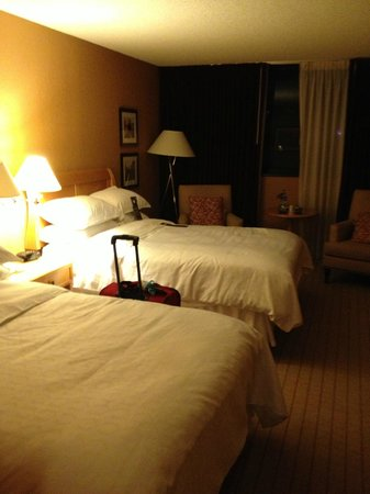 Sheraton Fort Lauderdale Airport & Cruise Port: Double bed room.