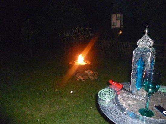 PoSHHuts: late night fire