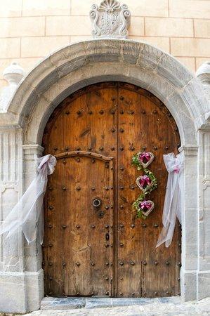 Cal Compte: Front Door