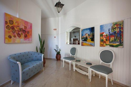 Castello Apartments: Lobby