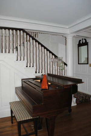 The Inn at Stockbridge: Staircase in Main house