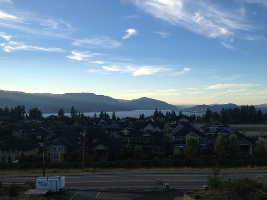 A Okanagan Lakeview B&B: View from our balcony