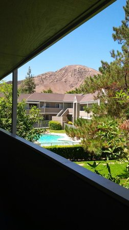 Good Nite Inn - Calabasas: View from external corridor
