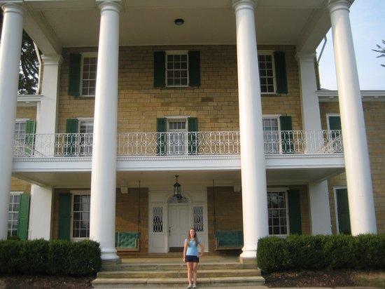 Bryn Du Mansion: front view