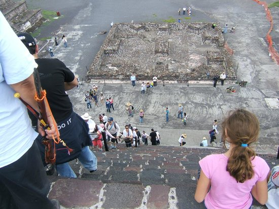 Zona Arqueologica Teotihuacan: The pyramid of the Moon is steeper ....