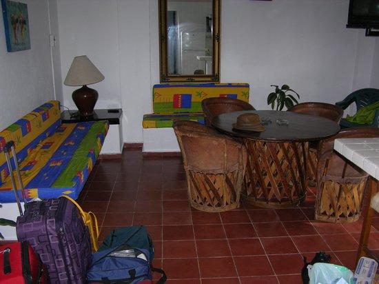 Suites Plaza Del Rio: Bedroom