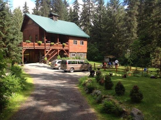 Carriage House Accommodations - Inn & Cottages : Relaxing outdoors at Carriage House...