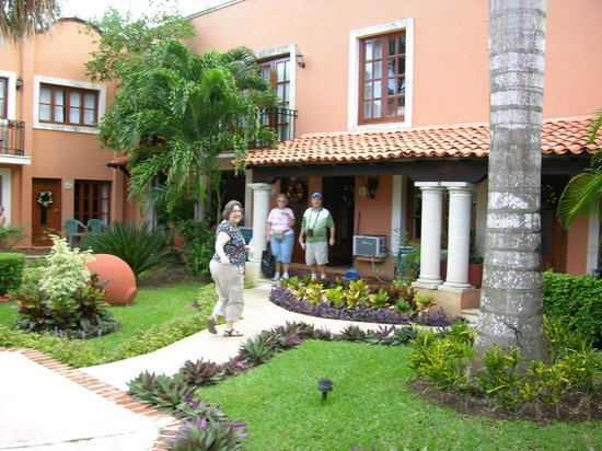 Hacienda San Miguel Hotel & Suites: Garden