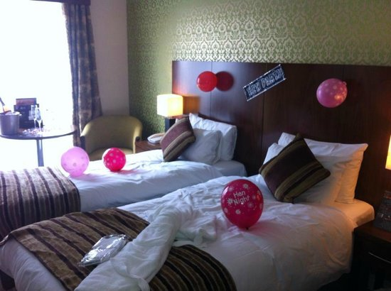 The George Limerick: Twin room - decorated by ourselves - robe&slippers provided by hotel for the bride!