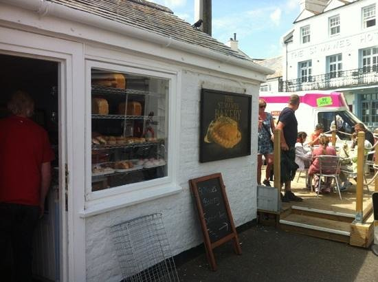 St Mawes Bakery: Eat out or take away