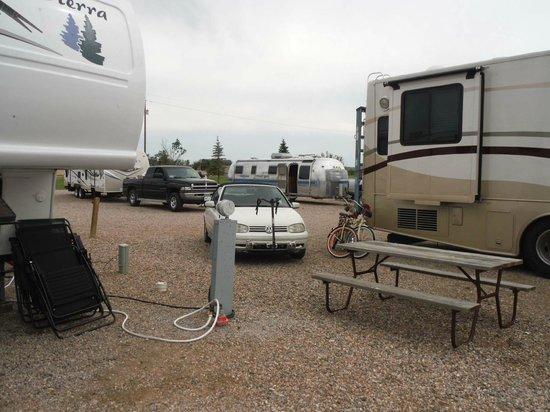 Cheyenne KOA: Space between campers