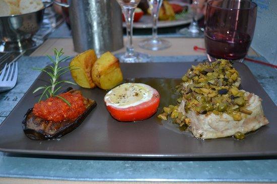 L'oustaloun : Pavé de thon, condiments en vinaigrette