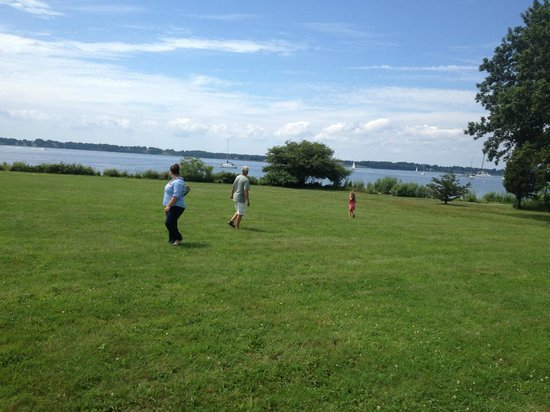 Blithewold Mansion, Gardens & Arboretum: Playing in the large field between the house and the water