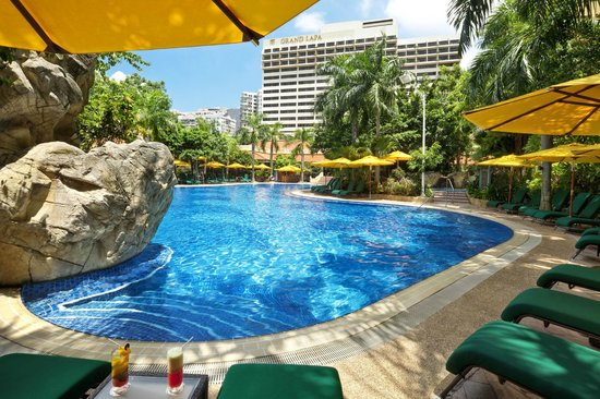 Grand Lapa Macau: Hotel Pool