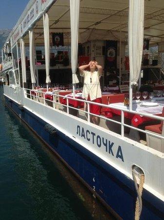 Porto Maltese: Et puis, la pauvre déshéritée...