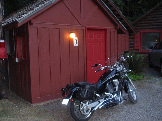 Gateway Inn & Cabins: Cabin #3