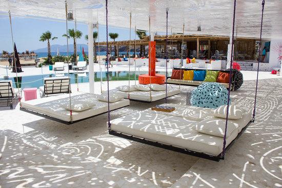 Free Beach Bar & Restaurant
