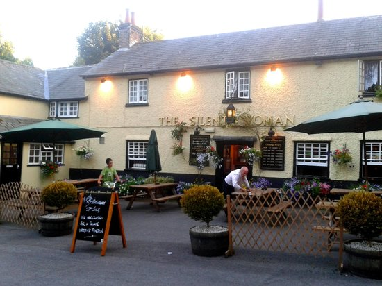 Wareham Forest Tourist Park : Local pub