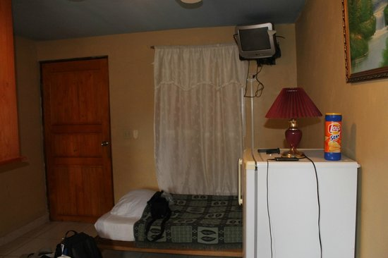 Tropicana Lodge: Vista de la habitación