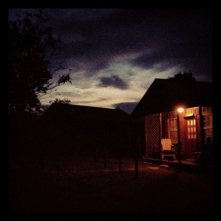 Spotted Pony Ranch: Western Cabin just after sunset.